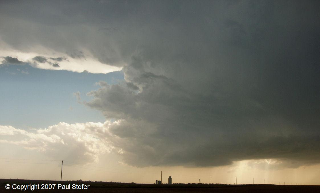 Saint Peter, Kansas storm intensifying