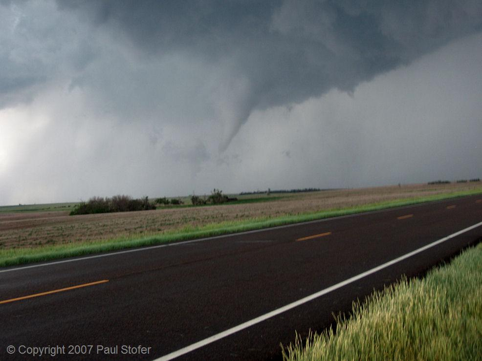 Saint Peter, Kansas - Tornado prior to roping out