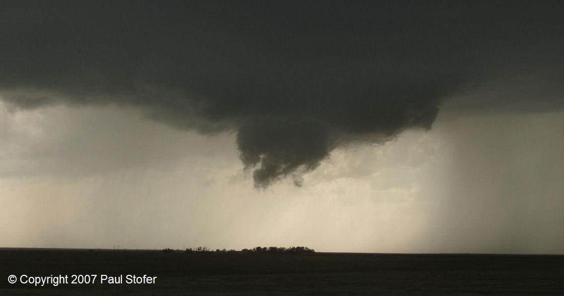 Saint Peter, Kansas - Tornadic Thunderstorm producing a funnel / developing tornado